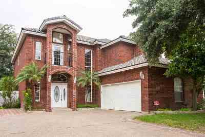 Laredo Single Family Home For Sale: 206 Vintage Ln