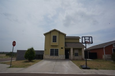 Laredo TX Single Family Home For Sale: $153,750