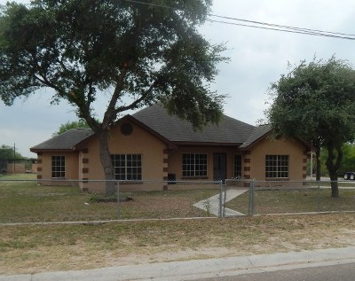 Zapata Single Family Home For Sale: 716 E 7th St