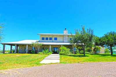 Laredo Single Family Home For Sale: 182 Stable Rd