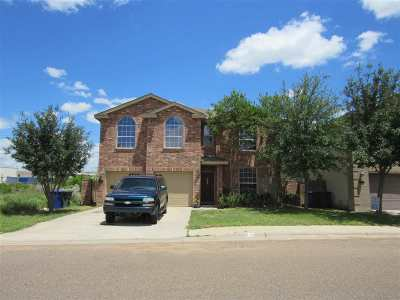 Laredo Single Family Home For Sale: 720 Starling Creek Lp