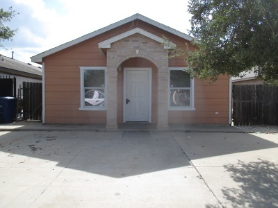 Laredo Single Family Home Option-Show: 148 Barracuda Dr