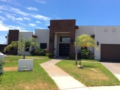 Laredo Single Family Home For Sale: 1516 Belton Dr