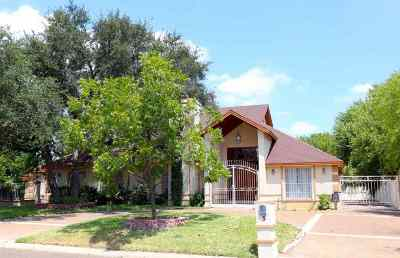 Laredo Single Family Home For Sale: 3 Manor Pl