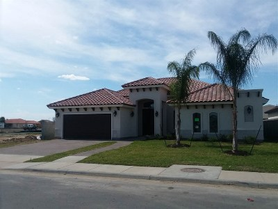 Laredo Single Family Home For Sale: 3104 R. Bradbury Dr.