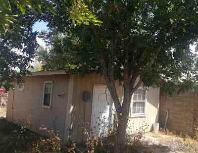 Single Family Home For Sale: 209 Malaga Dr