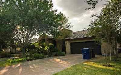 Laredo Single Family Home For Sale: 114 Canterbury Ln