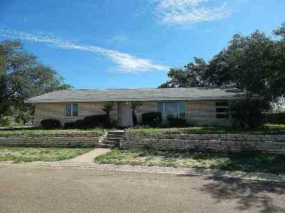 Zapata Single Family Home For Sale: 2320 Lago Vista Dr.