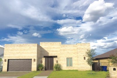 Laredo Single Family Home Active-Exclusive Agency: 2635 Burgundy Lp