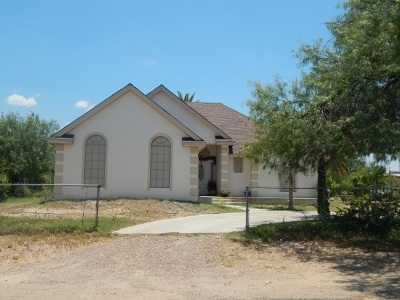 Zapata Single Family Home For Sale: 1308 7th St