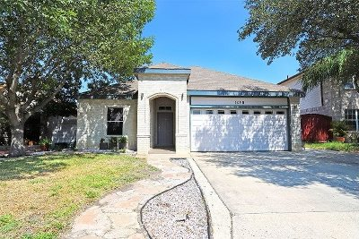 Laredo Single Family Home For Sale: 1640 Denmark Ln