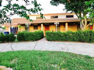 Laredo Single Family Home For Sale: 812 Carrol Ln