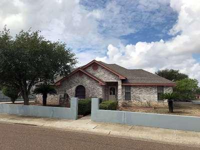 Zapata Single Family Home For Sale: 2315 Lago Vista Dr.