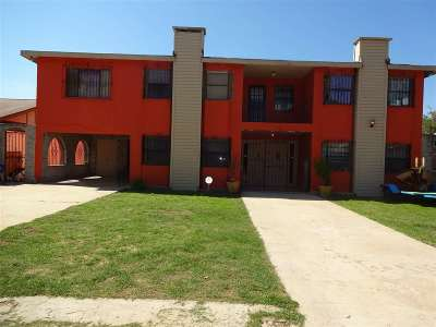 Laredo TX Single Family Home For Sale: $105,000