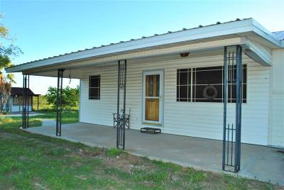 Zapata Single Family Home For Sale: 131 River Drive