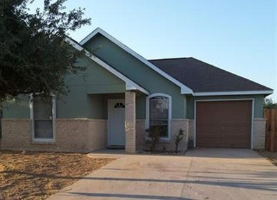 Laredo Single Family Home For Sale: 3308 Saint Kathryn Lp