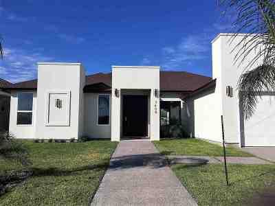 Laredo TX Single Family Home For Sale: $306,000