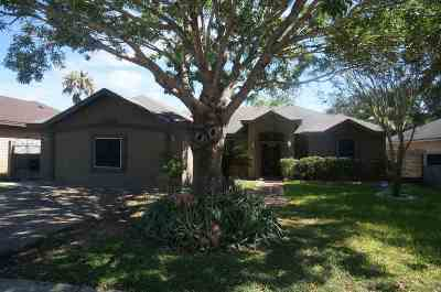 Laredo TX Single Family Home For Sale: $199,000
