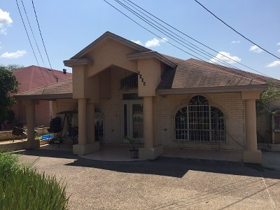 Laredo TX Single Family Home For Sale: $230,000