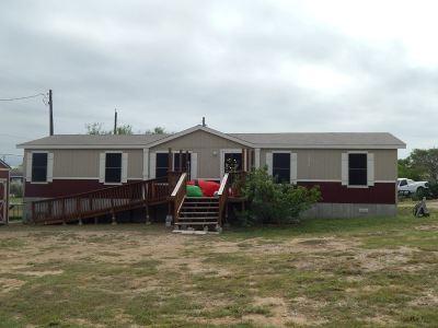 Zapata Single Family Home For Sale: 2188 Retama Dr