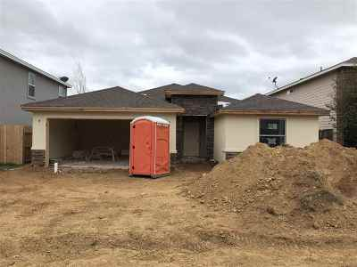 Laredo TX Single Family Home Active-Exclusive Agency: $185,000