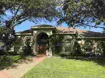 Laredo TX Single Family Home For Sale: $345,000