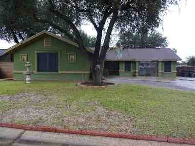Laredo TX Single Family Home For Sale: $187,900