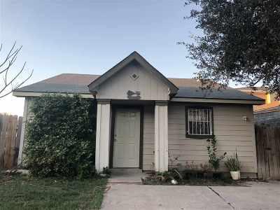 Laredo TX Single Family Home For Sale: $79,000