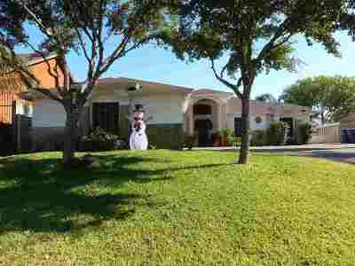 Laredo Single Family Home For Sale: 9837 Spindrift Dr