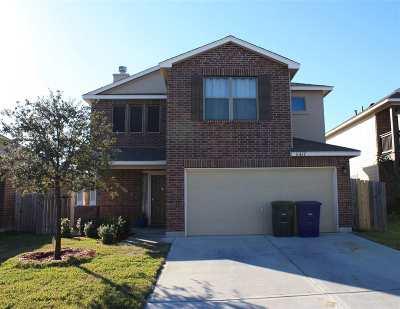 Laredo TX Single Family Home For Sale: $210,000