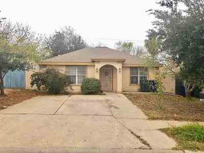 Laredo TX Single Family Home For Sale: $125,000