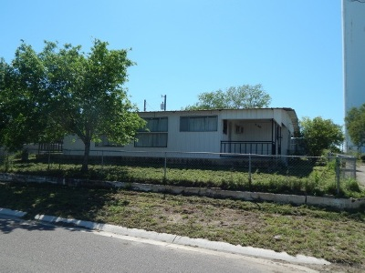 Zapata Single Family Home For Sale: 2129 Retama Dr