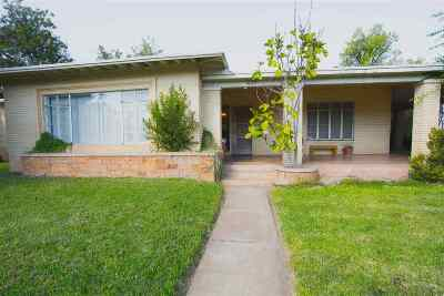 Laredo Single Family Home Option-Show: 1020 Chihuahua St