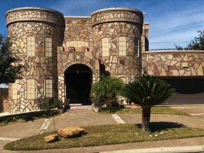 Laredo Single Family Home For Sale: 103 Lake Odessa Rd