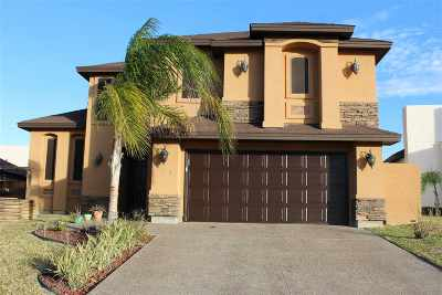 Laredo Single Family Home For Sale: 105 Queen Palm Dr.