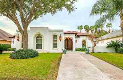 Laredo Single Family Home Option-Show: 3208 Winsome Ct