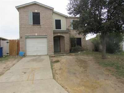 Laredo Single Family Home Option-Show: 3305 Saint Kathryn Lp