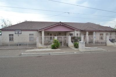 Laredo Single Family Home For Sale: 201 E Lane St