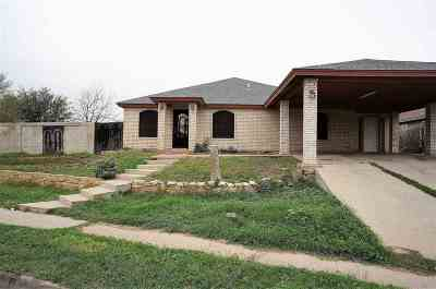 Laredo TX Single Family Home For Sale: $134,500