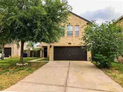 Laredo Single Family Home For Sale: 107 Jacales Ct