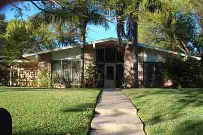 Laredo TX Single Family Home For Sale: $243,000