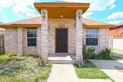 Laredo TX Single Family Home For Sale: $142,000