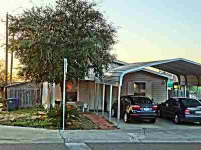 Laredo TX Single Family Home For Sale: $120,000