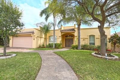 Laredo Single Family Home For Sale: 2405 Boros Ct