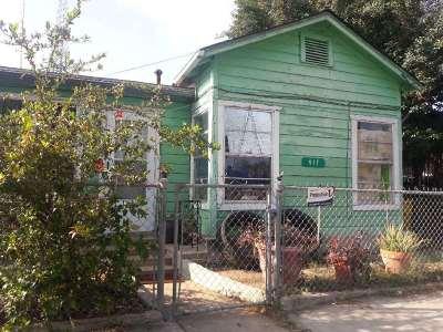 Laredo Single Family Home Option-Show: 917 E Guerrero St
