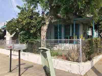 Laredo Single Family Home For Sale: 2301 Monterrey Ave