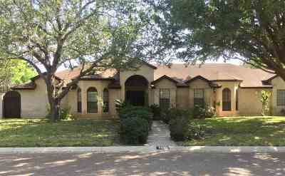 Laredo Single Family Home For Sale: 3021 Autumn Dr