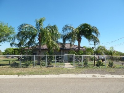 Zapata County Single Family Home For Sale: 126 Trinity Ln