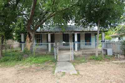 Laredo TX Single Family Home For Sale: $54,900