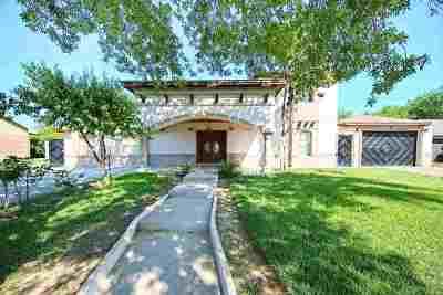 Laredo Single Family Home For Sale: 13 Bedford Dr